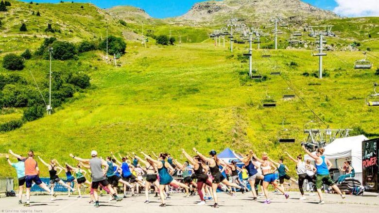 Cours de fitness collectif / © Office de tourisme - Valmeinier (73)