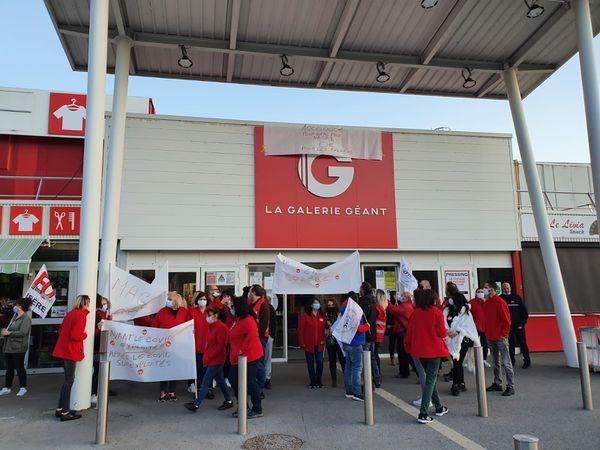 Des salariés du supermarché Géant de Fontaine en grève ce samedi.